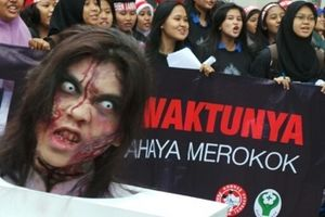 Seram! Zombie-zombie Anti Rokok Berkeliaran di Car Free Day