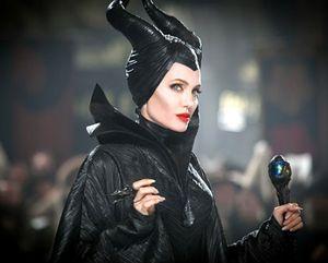 Angelina Jolie Kolaborasi dengan Stella McCartney Rilis Baju Anak-anak