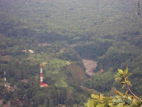 View lautan hijau dari puncak Plawangan