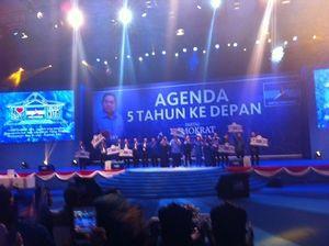 Bersama Elite PD, SBY Dendangkan Lagu Rumah Kita