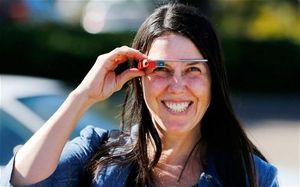 Memereteli Google Glass