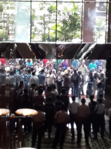 Jebol Kaca Plaza 89, Ini Penampakan Aksi Para Pendemo