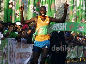Pelari Kenya Menang di JI 10K Milo
