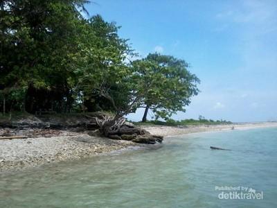 Liwungan, Pulau Tak Berpenghuni Nan Indah di Banten