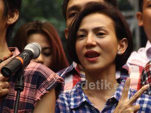 Wanda Hamidah Hadiri Deklarasi Revolusi Mental