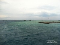 View pemandangan laut dekat Pulau Harapan