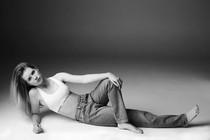 Adik Kate Moss, Lottie Mulai Karier Jadi Model Terbaru Calvin Klein