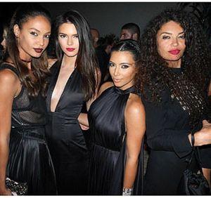 Foto: Keseruan Pesta Ulang Tahun Desainer Givenchy yang Dipenuhi Selebriti