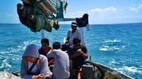 Perjalanan kami menuju Pulau Gili Labak