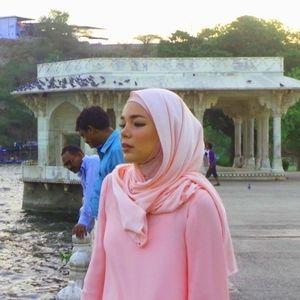 Ini Kata Dewi Sandra Cara Mengingatkan Orang yang Ber-jilboobs