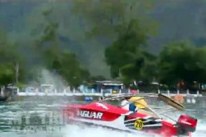 Denny Sumargo Adu Balap Speed Boat di Telaga Sarangan
