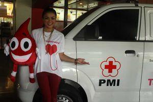 Nirina Anggap Donor Darah Seperti Bekam Versi Enak
