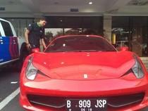 Komunitas Lamborghini Apresiasi Polisi yang Berani Menilang Ferarri