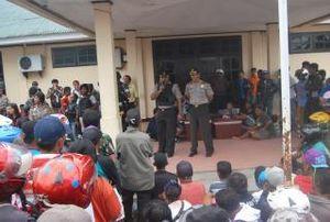 Desak Pembunuhan Beruntun Diusut, Warga Timika Bawa 2 Jenazah ke DPRD
