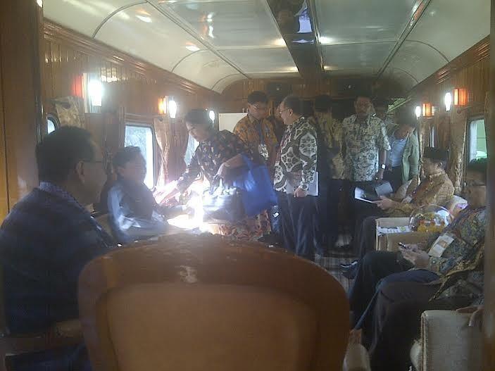 Wamenhub Ajak 7 Pimpinan Daerah Naik Kereta Wisata