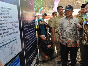Menteri PU Resmikan Proyek Infrastruktur di Jateng