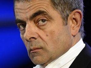 Mr Bean, Berkali-kali Selamat dari Kecelakaan Mobil