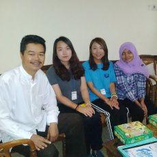 Eh Ada Dua Guru dari Negeri K-Pop Mengajar di SD Rawamangun