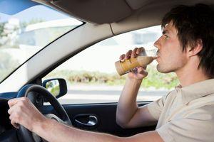 Dilarang Ngangkang & 8 Peraturan Menyetir Aneh di Dunia (2)