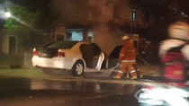 Tabrak Trotoar, Mitsubishi Galant Putih Terbakar di Jl Juanda Jakpus