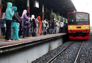 Jumlah Penumpang KRL Melonjak Jadi 775 Ribu Orang Saat Pelantikan Jokowi