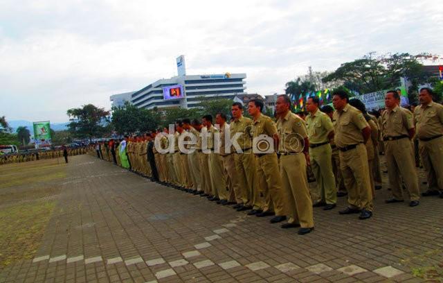 Rekomendasi untuk Jokowi: Kurangi Pejabat Eselon I