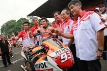 Datang ke Indonesia, Dani Pedrosa dan Marc Marquez Jajal Honda CBR150R