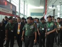 Tinjau Indo Defence 2014, Panglima TNI Tertarik dengan Alat Penyulingan Air Ini