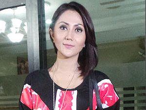 Aida Saskia, dari Kasus Zainuddin MZ Hingga Dianiaya Suami