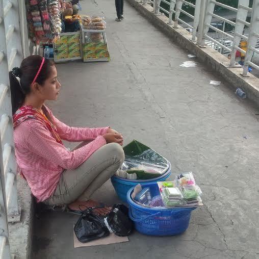 Ninih Penjual Gethuk Cantik di Jembatan Kuningan punya Cita-cita Kerja di Taiwan