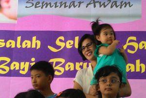 Sayang Anak, Astrid Tiar Hobi Ikut Seminar tentang Anak