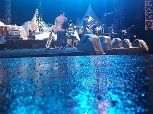 Meski Hujan, Beach Jazz Banyuwangi Tetap Sukses