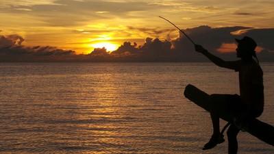 Menyaksikan Indahnya Senja di Pulau Maratua