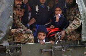 Serangan Taliban di Sekolah Pakistan, 132 Siswa dan 9 Staf Tewas