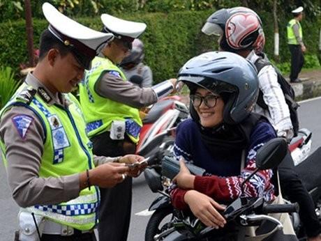 Polisi: Pengendara Rebutan Jalan yang Makin Sempit