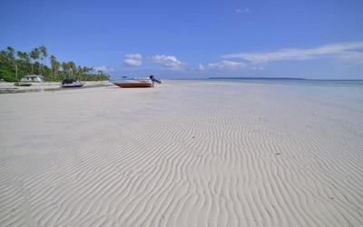 Tergoda Pulau Maratua