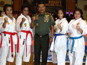 Pembukaan Kejuaraan Karate Piala Panglima TNI