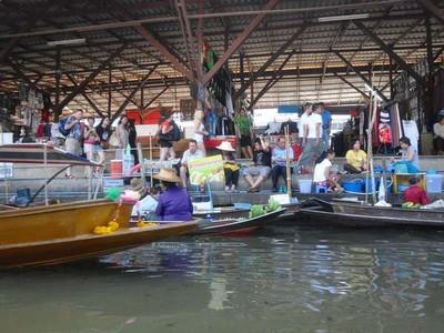 Banjarmasin & 4 Pasar Apung Terkenal di Asia