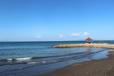 Pantai Sanur, Pasir Hitam & Laut Birunya yang Cantik