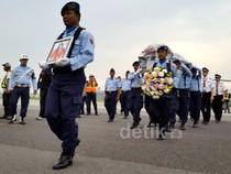 Jenazah Pramugari AirAsia Tiba di Bandung