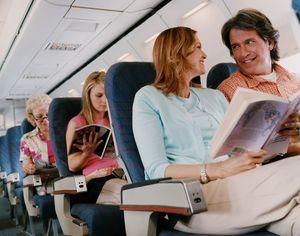 Saking Takut Terbang, Traveler Ini Rela Tunda Honeymoon
