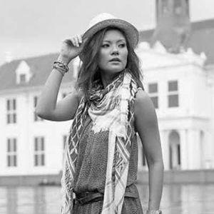 Aline Adita Lebih Deg-degan Dijepret dengan Kamera Film