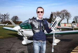 Ingin Jadi Pilot, Pria Berlengan Satu Ini Rakit Lengan Prostetik Sendiri