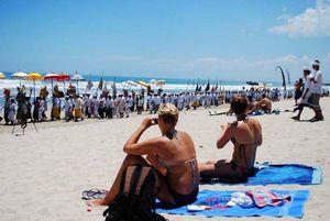 Etiskah Bila Turis Australia Memboikot Bali?