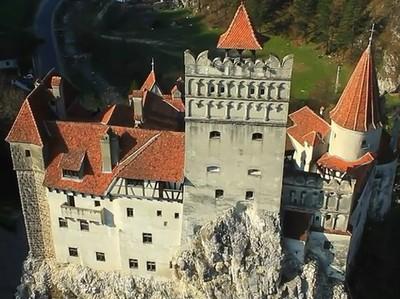 Masuk ke Kastil Drakula di Rumania, Berani?