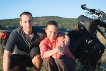 Wow! Sepasang Traveler Gowes Sepeda 11.000 Km Keliling Eropa