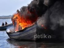 BNN Bakar Kapal Nelayan Kurir Narkoba