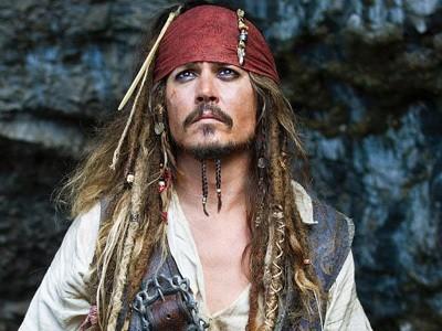 Cedera di Lokasi Syuting Pirates of Carribean 5, Johnny Depp Harus Operasi