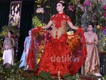 Cantiknya Wanita TNI Berbusana Pengantin