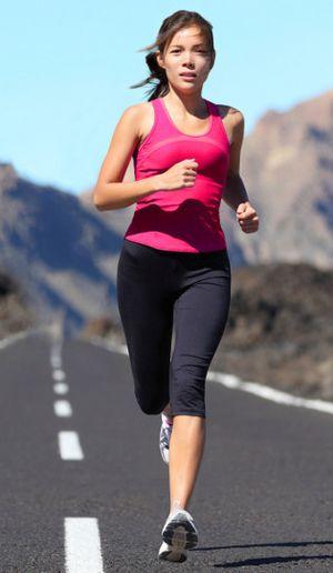 Perlengkapan yang Penting Dipersiapkan Saat Lari Agar Tak Cedera